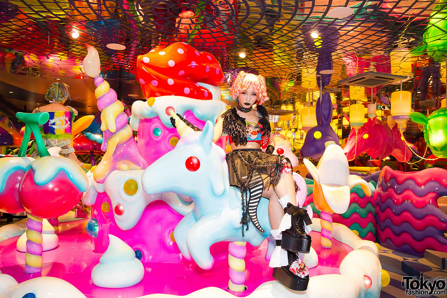 Kawaii-Monster-Cafe-Harajuku-012